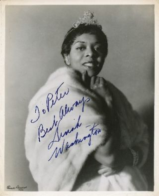 Rare Photograph Signed, 4to, n.p., ca. 1960. DINAH WASHINGTON.